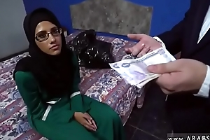 Arab Hijab Hoe Fucked for Money by 2 Strangers and Gave Blow job