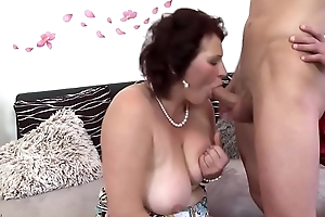 Mature mother spoiling a juvenile son mypicss.com