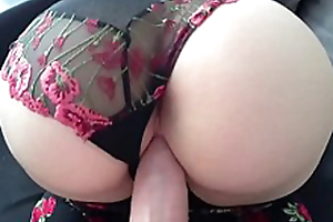 TIGHT PUSSY GETS BIG DICK!! (WET)